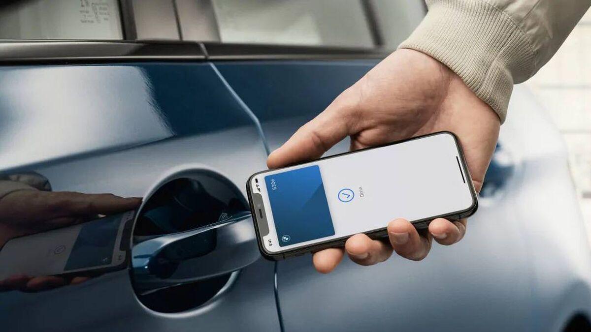 Apple добавит Car Key  в автомобили Genesis. Можно будет открывать авто с помощью iPhone и Apple Watch