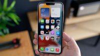 Пользователи iOS 15 жалуются, что после обновления iPhone перестаёт реагировать на касания