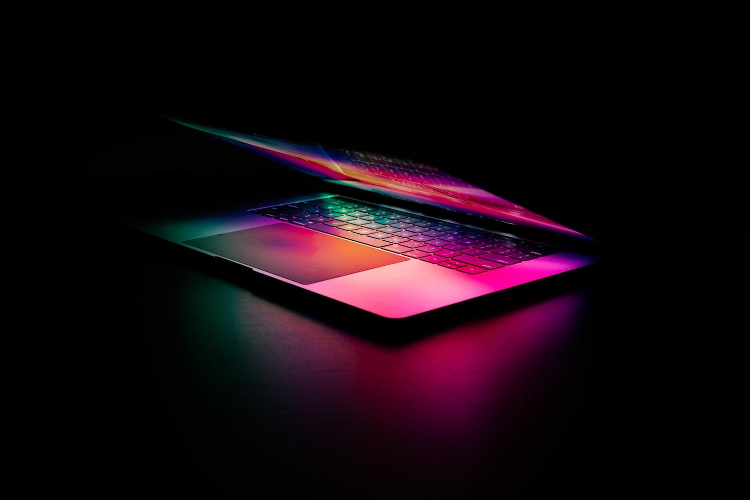 Появился скриншот с характеристиками нового MacBook Pro с процессором M1X